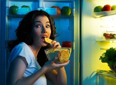 Еда перед сном вредна
