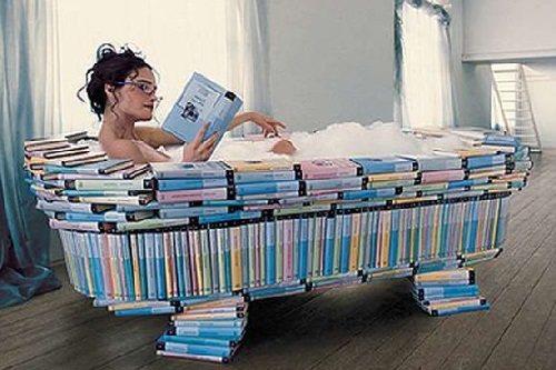 Ванна и книга перед сном