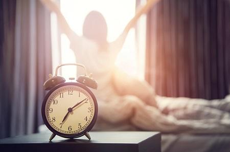 Просыпаться в одно время
